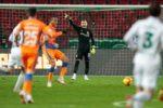 Акинфеев побил рекорд Блохина по числу матчей за один клуб
