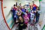 Ахметов навестил детей в больнице города Казани